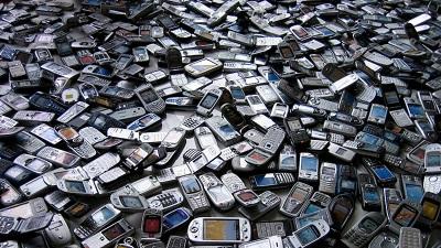 tumpukan-ponsel